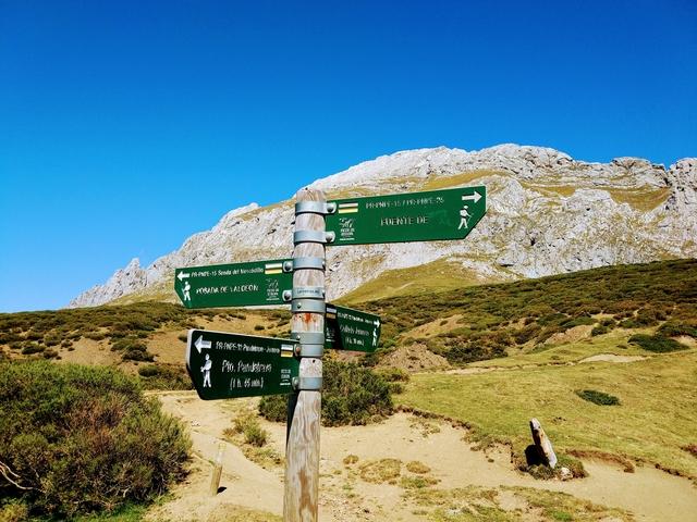 Prada Picos de Europa hiking walking PR-PNPE15 Spain national park
