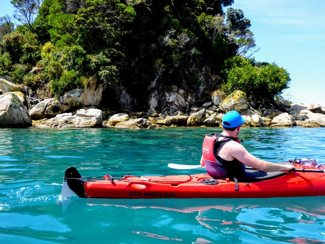 Kayak Abel Tasman kayak tour R&R Kayaks New Zealand